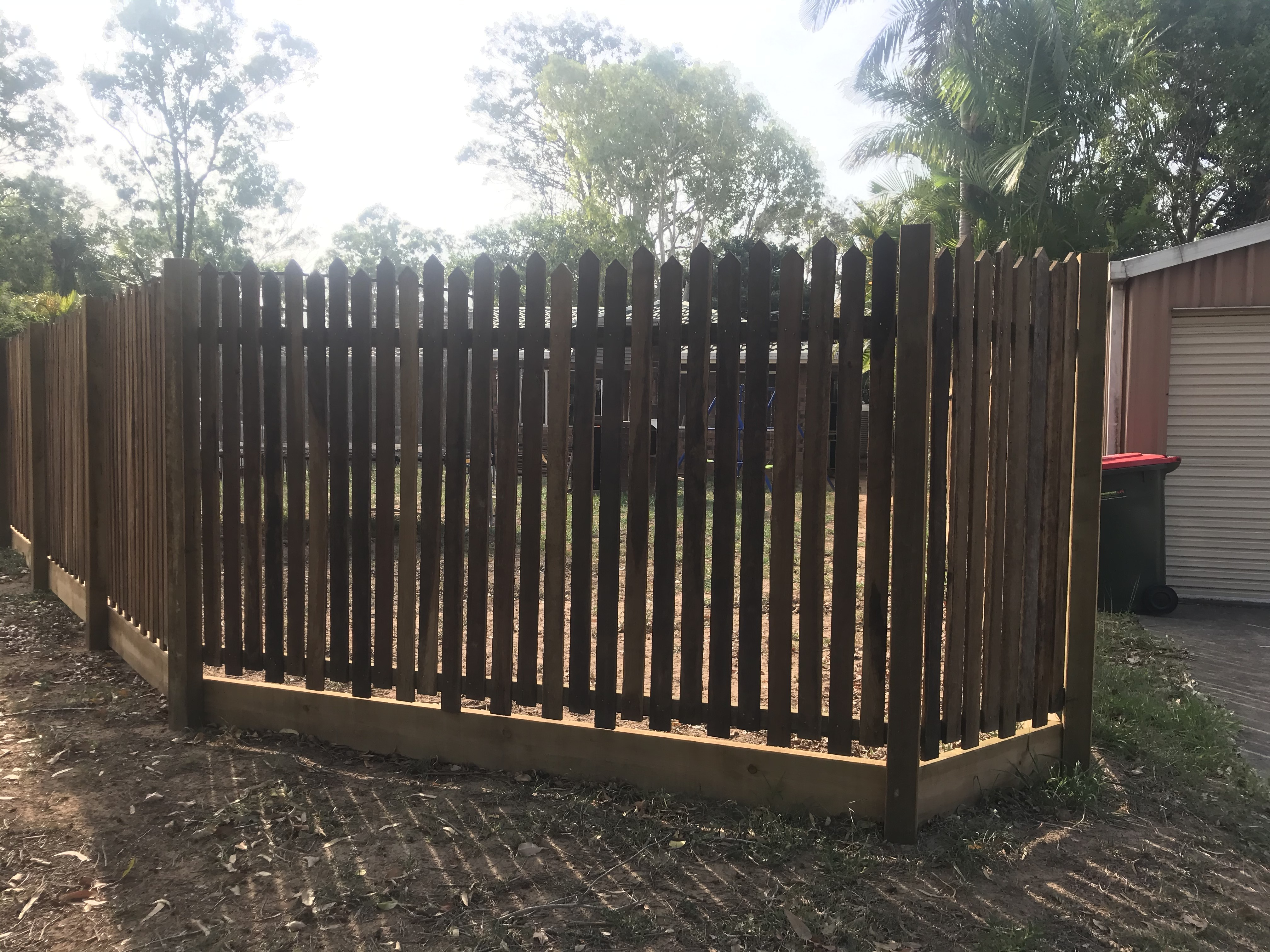 Rycan Maintenance Custom Hardwood Timber Picket Fence Karana Downs1